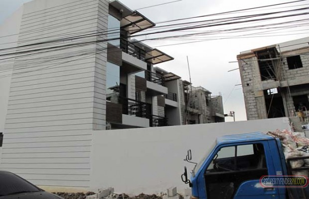 Photo #1 Townhouse for rent in Metro Manila, Quezon City