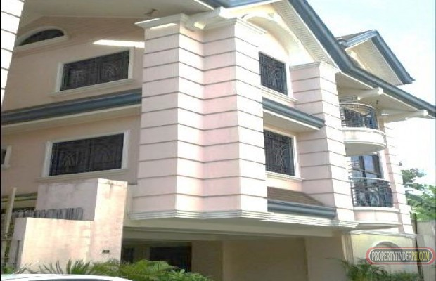 Photo #2 Townhouse for rent in Metro Manila, Mandaluyong